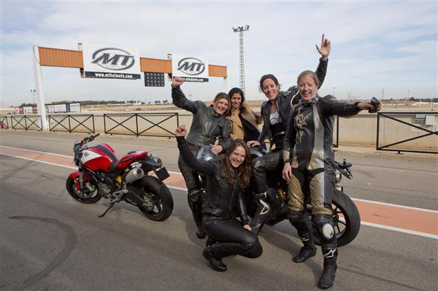Motorvrouw-van-het-Jaar-2013