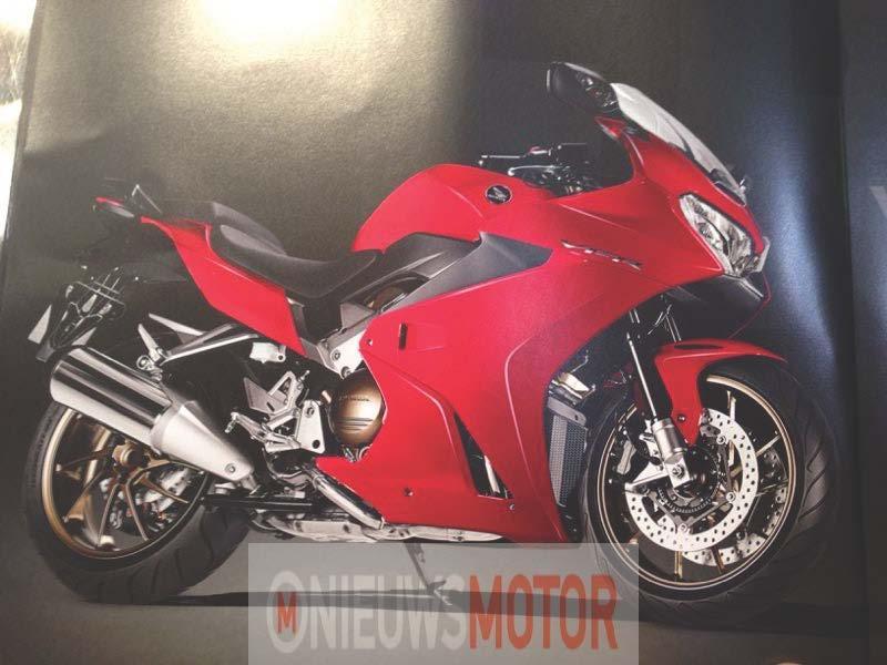 2014_Honda_VFR800F.JPG