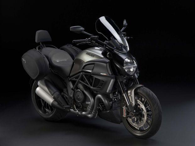 2013_Ducati_Diavel_Strada