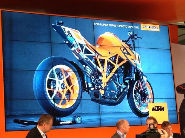 2014-KTM-1290-Superduke