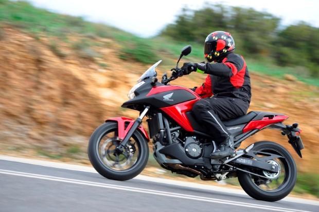 Testmotor.nl: 1e test 2014 Honda NC750X (Video) - Kort ...