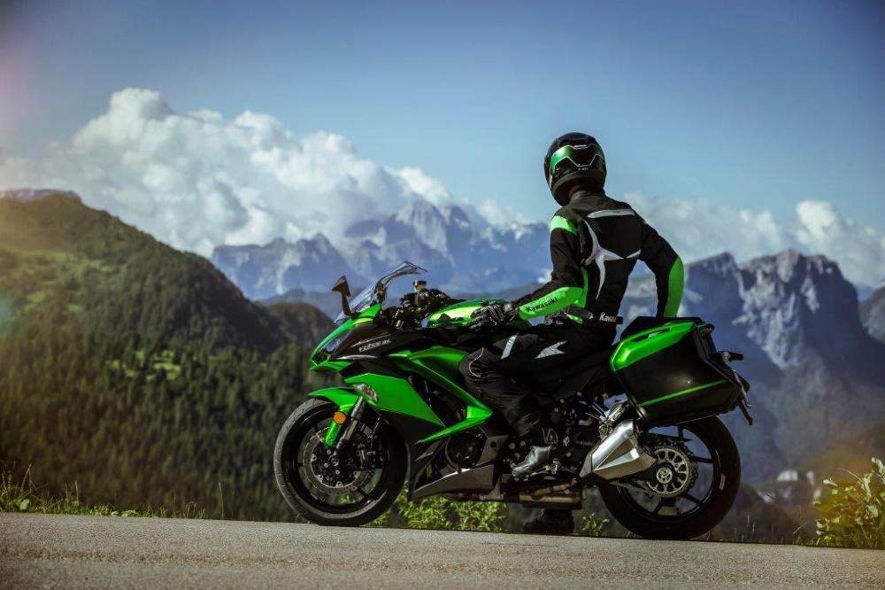 2017 Kawasaki Z1000SX - Kort, snel en actueel altijd het ...