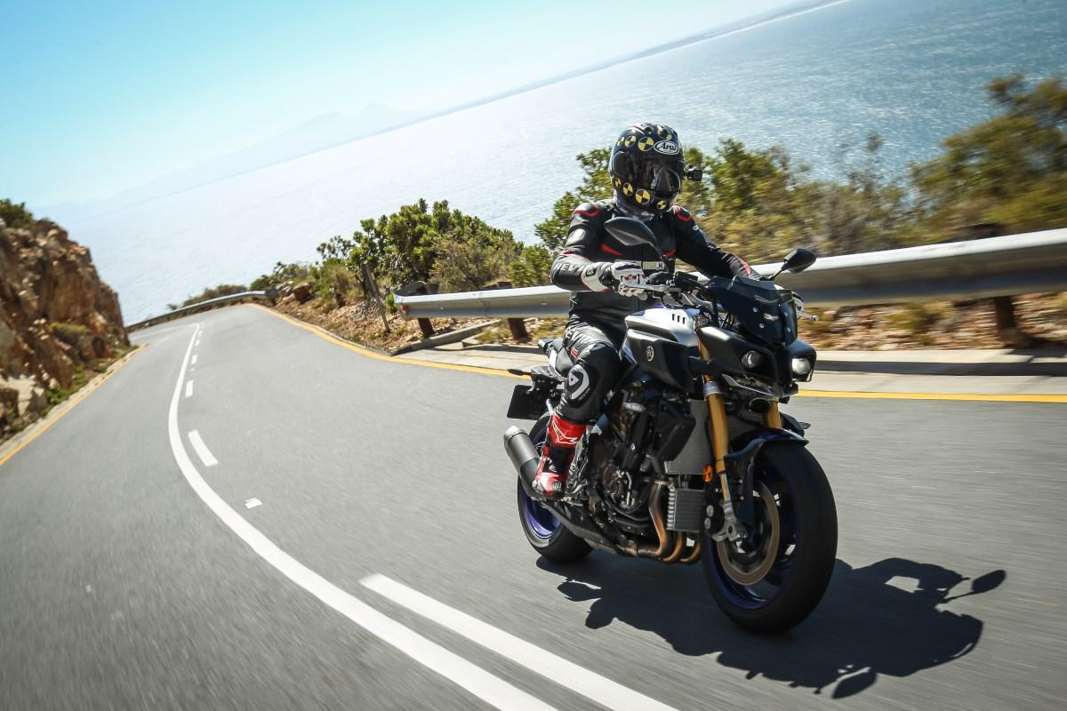 testmotor 2017 Yamaha MT 10 SP test