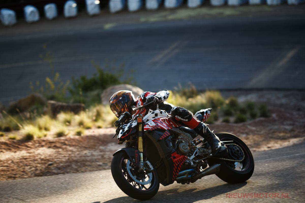 Carlin Dunne DucatiStreetfighter V4 PPIHC 2019