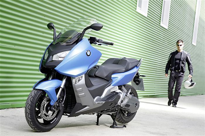 2012 bmw c600 en c650 gt motorscooters special editions video kort snel en actueel altijd. Black Bedroom Furniture Sets. Home Design Ideas